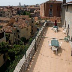 Отель Хостел Domus Civica Италия, Венеция - 3 отзыва об отеле, цены и фото номеров - забронировать отель Хостел Domus Civica онлайн балкон