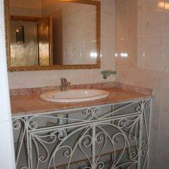 Отель Le Temps de Vivre Марокко, Уарзазат - отзывы, цены и фото номеров - забронировать отель Le Temps de Vivre онлайн ванная
