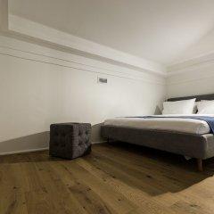Апарт-Отель F12 Apartments сейф в номере
