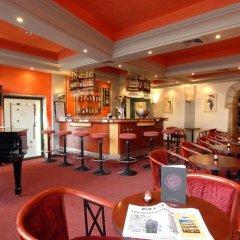 Отель Le Phénix Hôtel Франция, Лион - отзывы, цены и фото номеров - забронировать отель Le Phénix Hôtel онлайн гостиничный бар