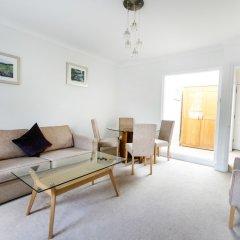 Апартаменты Park Lane Apartments - Clarges Street комната для гостей фото 5