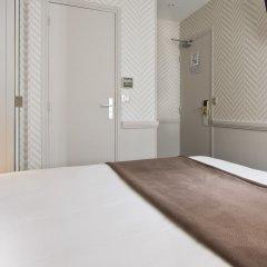Отель Longchamp Elysées сейф в номере