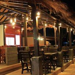 Отель Peace Paradise Beach гостиничный бар