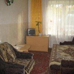 Гостиница на Улице Челюскинцев 7 в Новосибирске отзывы, цены и фото номеров - забронировать гостиницу на Улице Челюскинцев 7 онлайн Новосибирск комната для гостей фото 2