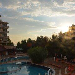 Отель Berlin Green Park Болгария, Золотые пески - отзывы, цены и фото номеров - забронировать отель Berlin Green Park онлайн бассейн фото 3