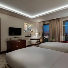 Отель DoubleTree by Hilton Istanbul Topkapi удобства в номере фото 2