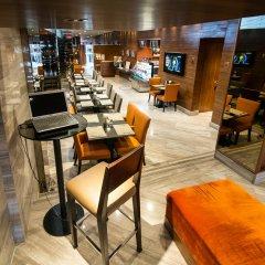 Отель On8 Sukhumvit Nana Bangkok by Compass Hospitality гостиничный бар