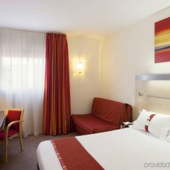 Отель B&B Hotel Madrid Aeropuerto T1 T2 T3 Испания, Мадрид - 8 отзывов об отеле, цены и фото номеров - забронировать отель B&B Hotel Madrid Aeropuerto T1 T2 T3 онлайн комната для гостей