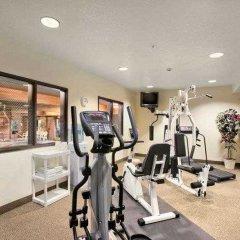 Отель Best Western Plus Cascade Inn & Suites фитнесс-зал фото 4