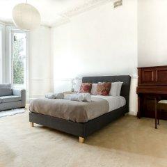 Апартаменты Spacious 1BR Period Apartment Hampstead Лондон комната для гостей