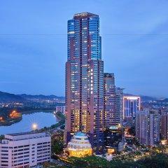 Отель Four Points by Sheraton Shenzhen Китай, Шэньчжэнь - отзывы, цены и фото номеров - забронировать отель Four Points by Sheraton Shenzhen онлайн вид на фасад