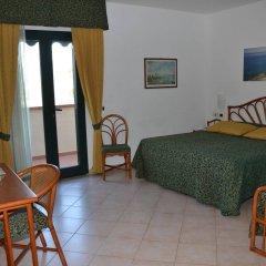 Отель Albergo Le Briciole Проччио комната для гостей фото 2