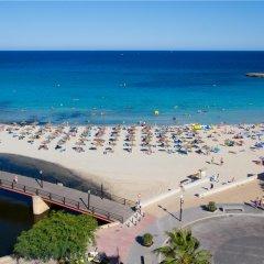 Отель Apartamentos Playa Moreia пляж