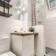 Отель Louvre - Saint Honore Area Apartment Франция, Париж - отзывы, цены и фото номеров - забронировать отель Louvre - Saint Honore Area Apartment онлайн ванная