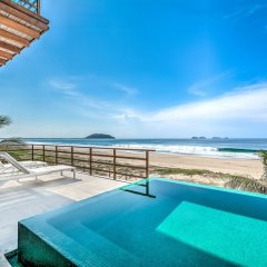 Отель Marea Beachfront Villas Мексика, Коакоюл - отзывы, цены и фото номеров - забронировать отель Marea Beachfront Villas онлайн бассейн