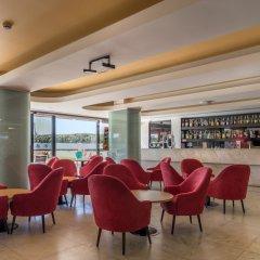 Отель Interpass Vau Hotel Apartamentos Португалия, Портимао - отзывы, цены и фото номеров - забронировать отель Interpass Vau Hotel Apartamentos онлайн гостиничный бар