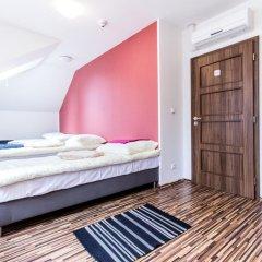 Апартаменты Centrum Apartments Podoli комната для гостей фото 3