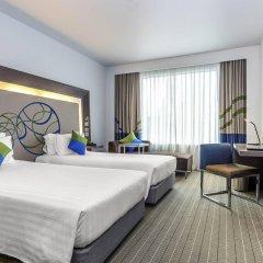 Отель Novotel Bangkok Ploenchit Sukhumvit комната для гостей фото 4