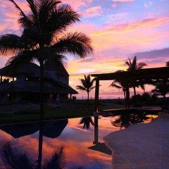Отель Las Palmas Beachfront Villas Мексика, Коакоюл - отзывы, цены и фото номеров - забронировать отель Las Palmas Beachfront Villas онлайн бассейн фото 3