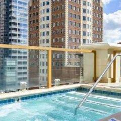 Отель Hilton Checkers бассейн фото 2
