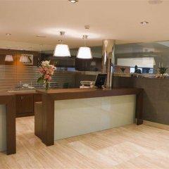 Отель Apartamentos Conilsol Испания, Кониль-де-ла-Фронтера - отзывы, цены и фото номеров - забронировать отель Apartamentos Conilsol онлайн интерьер отеля