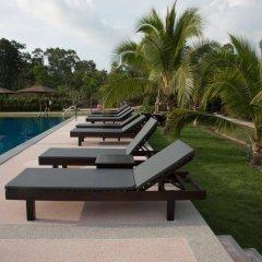 Отель Siri Lanta Resort Ланта бассейн фото 3