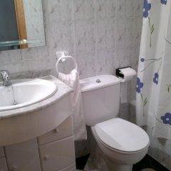 Отель Camping-Bungalows El Faro Испания, Кониль-де-ла-Фронтера - отзывы, цены и фото номеров - забронировать отель Camping-Bungalows El Faro онлайн ванная