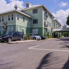 Отель Eight 24 by Pro Homes Jamaica Ямайка, Кингстон - отзывы, цены и фото номеров - забронировать отель Eight 24 by Pro Homes Jamaica онлайн парковка
