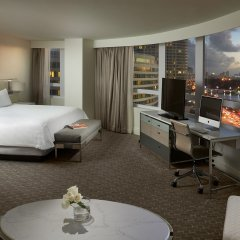 Отель Fontainebleau Miami Beach спа