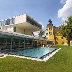 Отель Falkensteiner Schlosshotel Velden бассейн