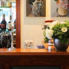 Alfred Hotel гостиничный бар