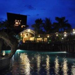 Bukit Daun Hotel and Resort бассейн фото 2