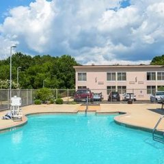 Отель Clarion Inn and Summit Center бассейн фото 2