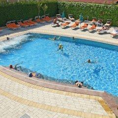 Отель Columbia Италия, Абано-Терме - отзывы, цены и фото номеров - забронировать отель Columbia онлайн бассейн