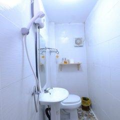 Отель Midsummer Night Hostel Таиланд, Бангкок - отзывы, цены и фото номеров - забронировать отель Midsummer Night Hostel онлайн ванная фото 2