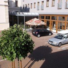 Hotel Lev Ловосице парковка