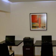 Отель New Brookfields Hotel Сьерра-Леоне, Фритаун - отзывы, цены и фото номеров - забронировать отель New Brookfields Hotel онлайн интерьер отеля
