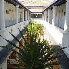 Отель Nippon Villa Beach Resort Хиккадува интерьер отеля