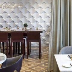 Отель The Ritz-Carlton, Hotel de la Paix, Geneva Швейцария, Женева - отзывы, цены и фото номеров - забронировать отель The Ritz-Carlton, Hotel de la Paix, Geneva онлайн питание фото 2