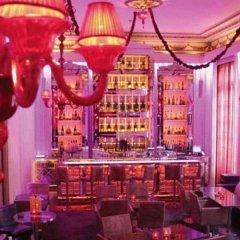 Pershing Hall Hotel гостиничный бар
