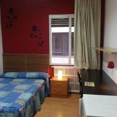 Отель San Marius Muntaner - Hostel Испания, Барселона - отзывы, цены и фото номеров - забронировать отель San Marius Muntaner - Hostel онлайн комната для гостей фото 2