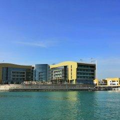 Royal M Hotel & Resort Abu Dhabi пляж фото 2