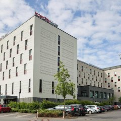 Отель Intercityhotel Berlin-Brandenburg Airport парковка