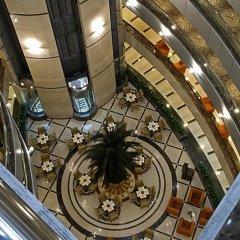 City Seasons Hotel Dubai интерьер отеля фото 3
