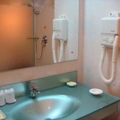 Отель Desheng Hotel Beijing Китай, Пекин - отзывы, цены и фото номеров - забронировать отель Desheng Hotel Beijing онлайн ванная