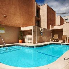 Отель Best Western Royal Palace Inn & Suites США, Лос-Анджелес - отзывы, цены и фото номеров - забронировать отель Best Western Royal Palace Inn & Suites онлайн с домашними животными