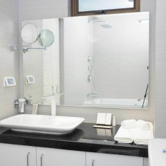 Airport Beach Hotel in North Male Atoll, Maldives from 207$, photos, reviews - zenhotels.com bathroom photo 2