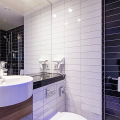 Отель Holiday Inn Express Munich Airport ванная фото 2