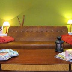Хостел Ericeira Chill Hill Hostel & Private Rooms интерьер отеля