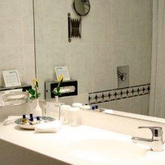 Отель Holiday Inn Oxford Circus Лондон ванная фото 2